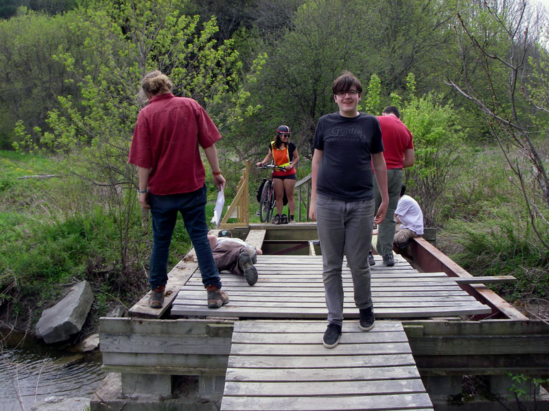 students build bridge